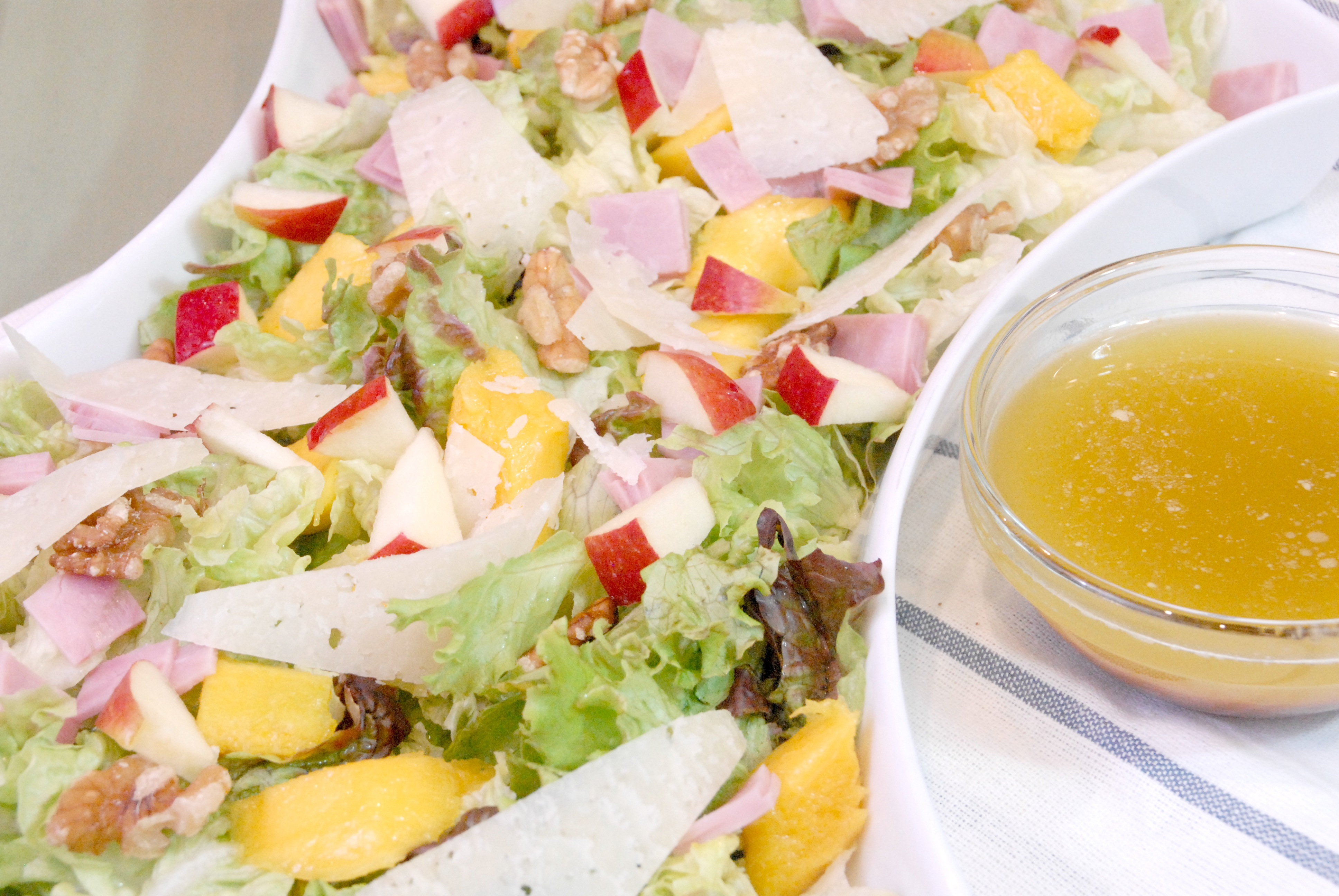 Receta de ensalada de mango, manzana y nueces