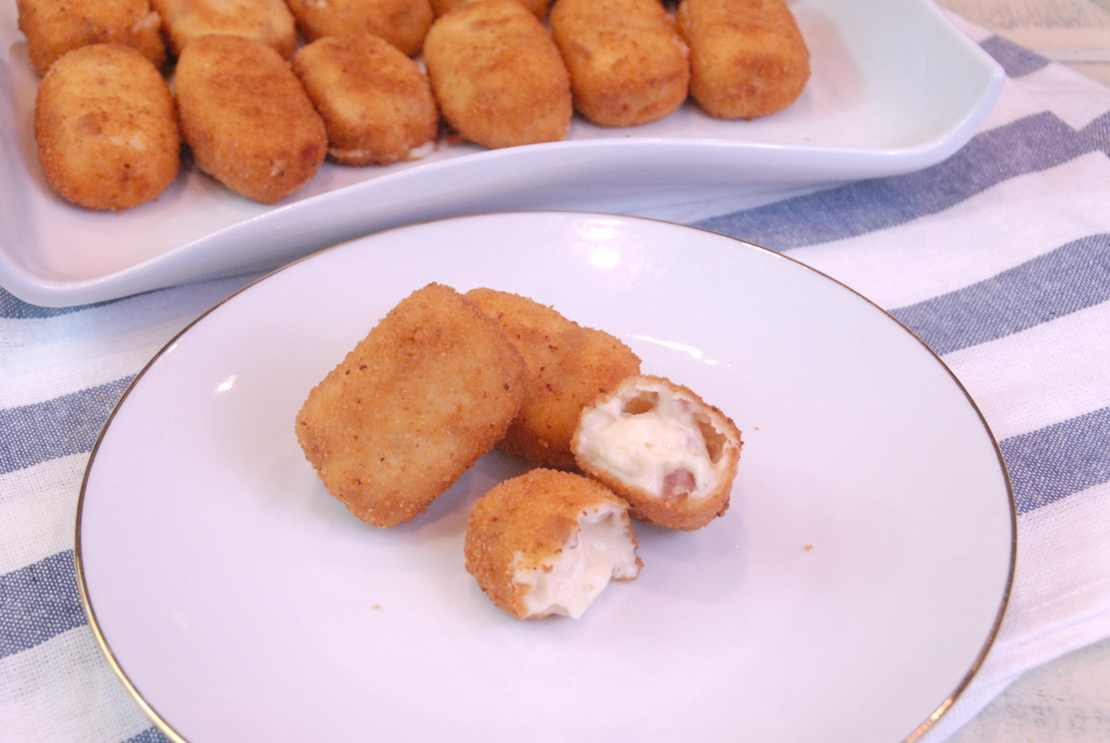 Receta de croquetas de jamón y queso crema.