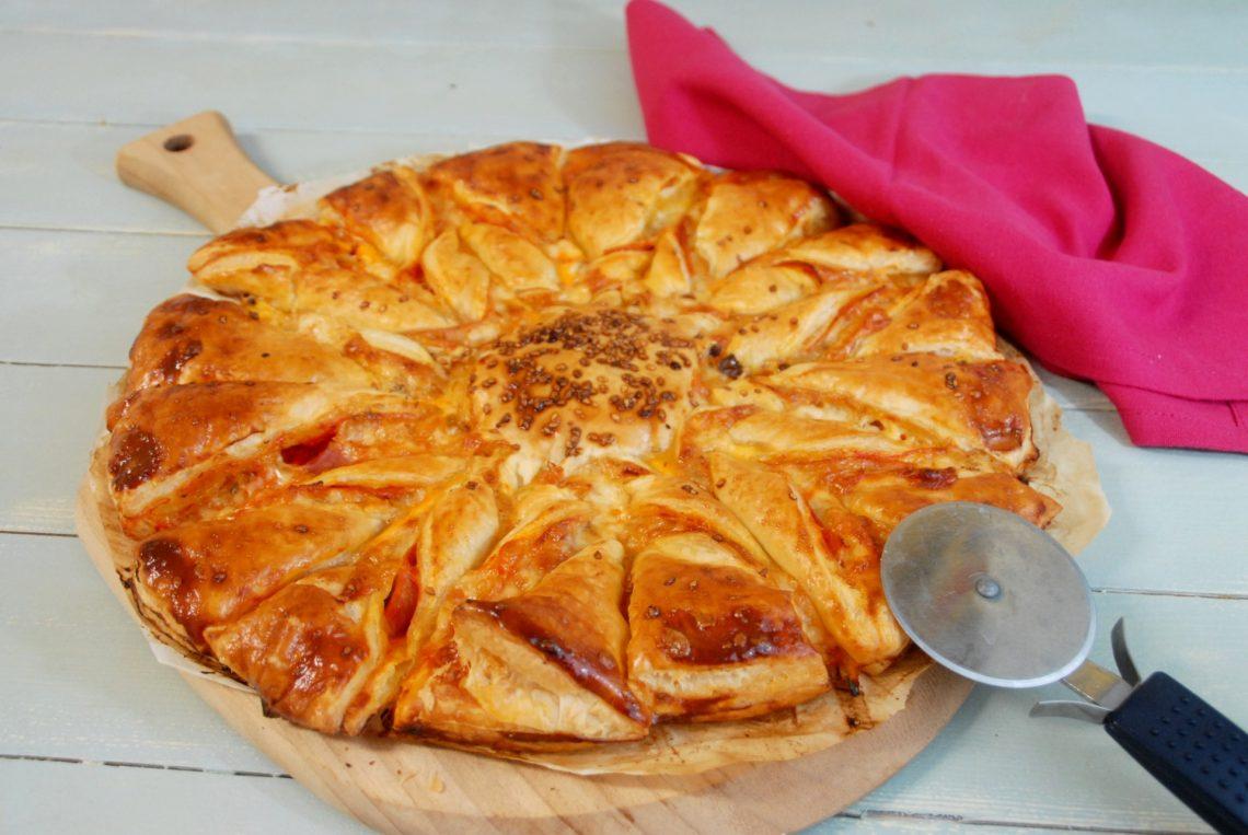 Receta de estrella de hojaldre con sabor pizza